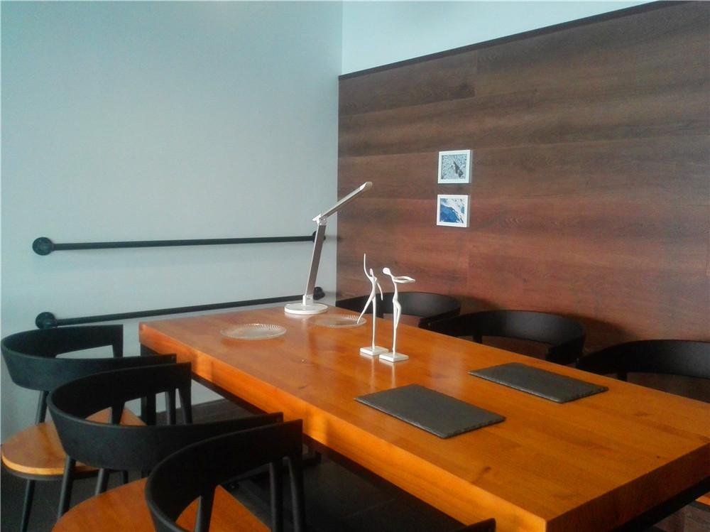 loft 三居 清水房 软装 设计 书房图片来自新思路装饰客服在复地上城的分享
