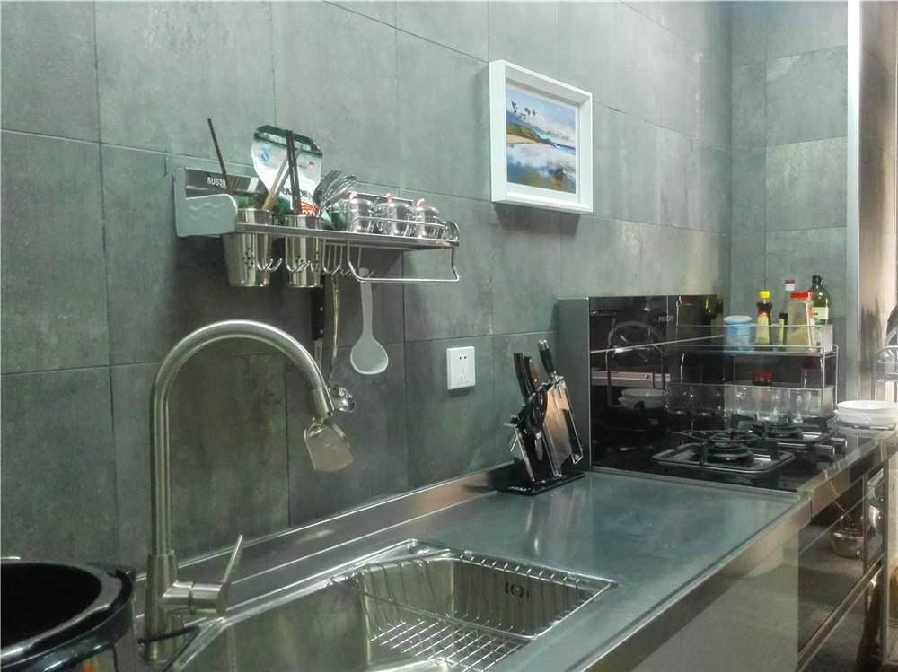 loft 三居 清水房 软装 设计 厨房图片来自新思路装饰客服在复地上城的分享