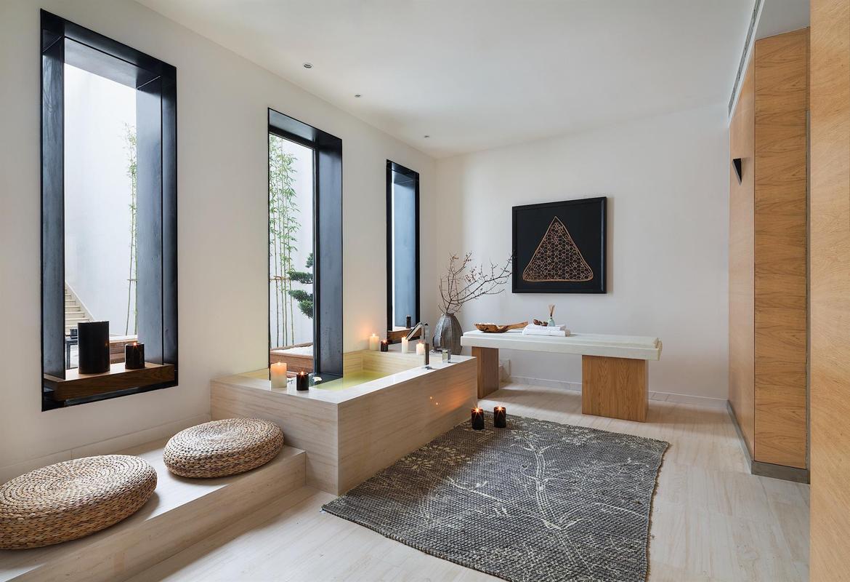 中式 别墅 收纳 大气 卫生间图片来自张勇高级室内设计师在金地中央世家新中式设计案例效果的分享