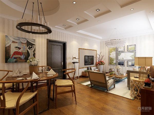 厨房和餐厅相互联系,厨房是开放式的,在餐厅放置了一个大鱼缸,增加了室内的生气。并没那么呆板。