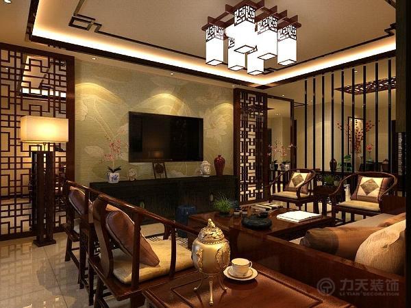 客餐厅地面采用米黄色800*800地砖正铺。在达到健康舒适的条件下又达到了绿色环保的要求。