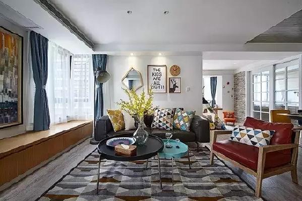 拥有一个采光良好的空间住宅,会给屋主们带来好心情。