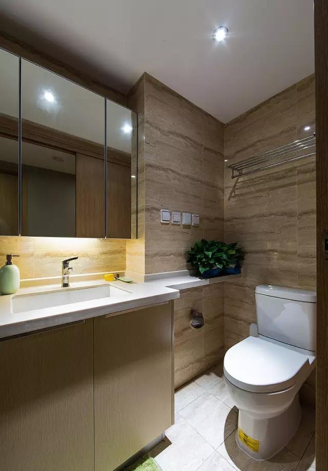 简约 三居 旧房改造 卫生间图片来自实创装饰上海公司在100㎡现代简约风三居室的分享