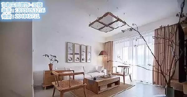 客厅   ▲  客厅整体都是原木色调,简约而雅致。  浅色布艺沙发柔软舒适, 背景上一组水墨山水画再搭配茶几上的茶具, 韵味十足。