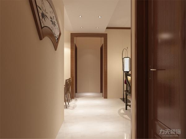整个空间也是多采用简洁明朗的线条,再加以现代化的经典挂画,具有现代气息。