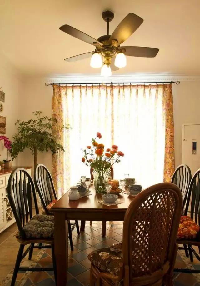 loft 远洋 新天地 田园 美式 餐厅图片来自高度国际装饰宋增会在远洋新天地114平米田园美式的分享