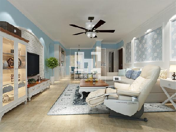 客厅里大面积的浅色家居与淡蓝色的墙面交相呼应,尽显独特的生活品味。细致的沙发背景处理更是增加空间的趣味性。