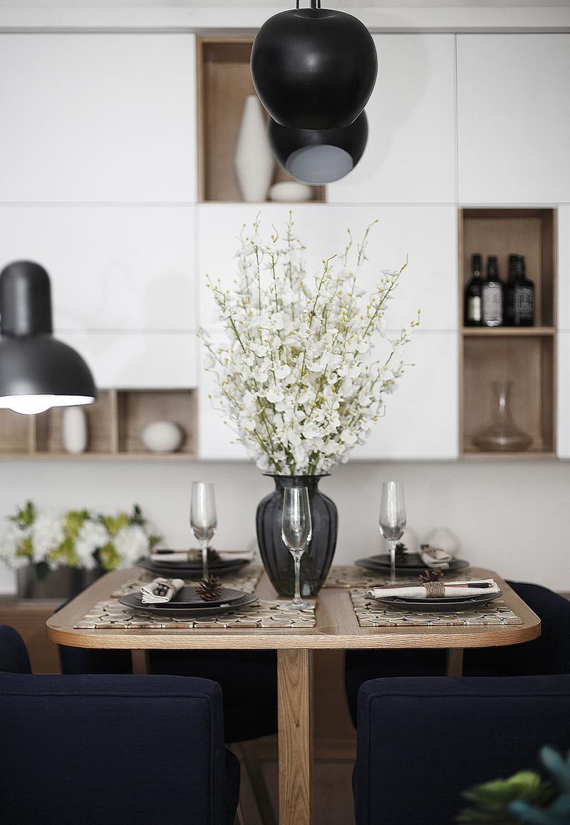 简约 公寓 收纳 餐厅图片来自张勇高级室内设计师在泛海国际时尚简约风格效果展示的分享