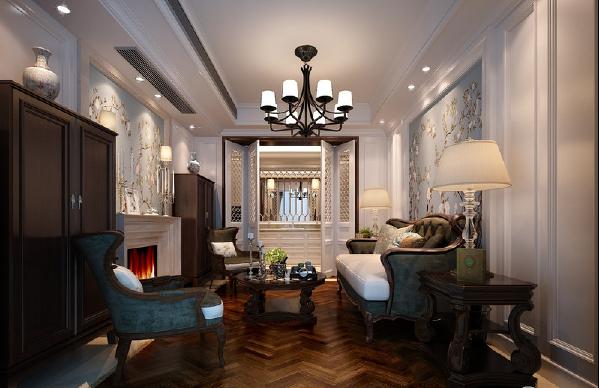 小客厅的空间相对紧凑,白色墙板上则采用了对称式清新淡雅的蓝底花鸟图案装饰,保持自然意趣;无论是褐色收纳矮柜还是法兰绒沙发系列,都使空间显得浓淡分明。