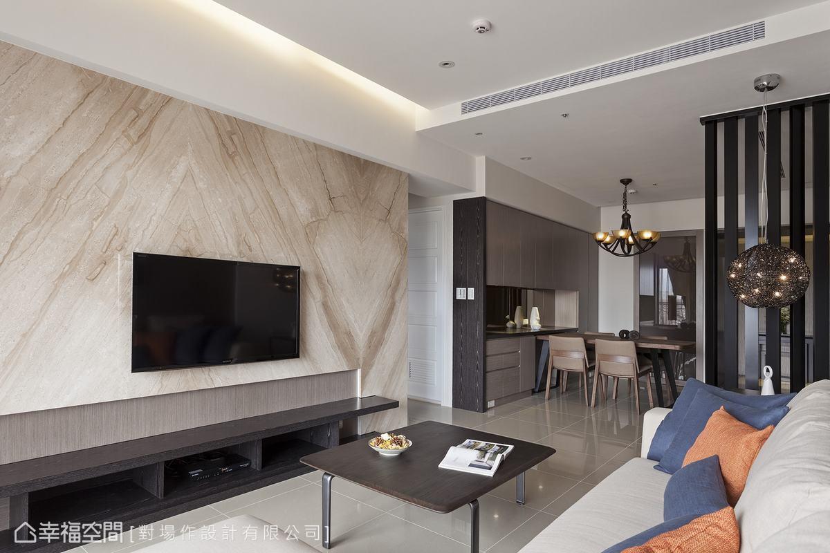 三居 休闲 简约 收纳 客厅图片来自幸福空间在106平方米谱写 简约美好生活的分享