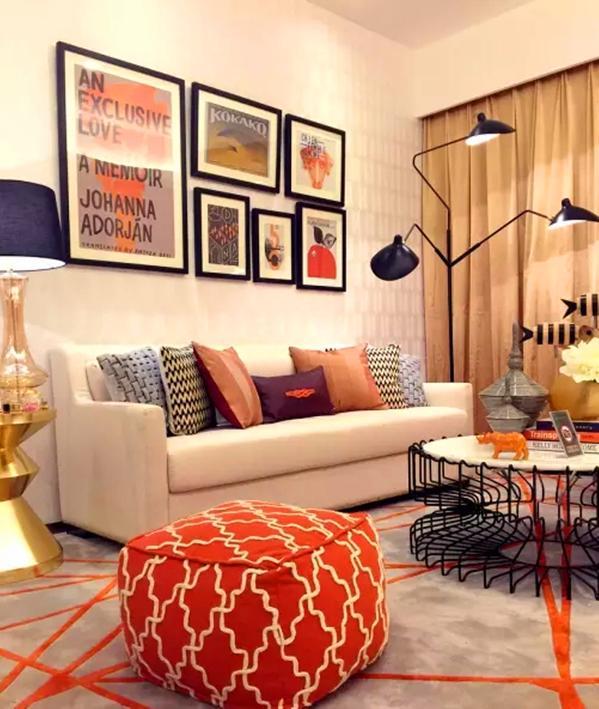 ▲用橙色和暖米色为空间的主色彩,加以黑灰,亮金色配色来装饰整个空间,明媚时尚。