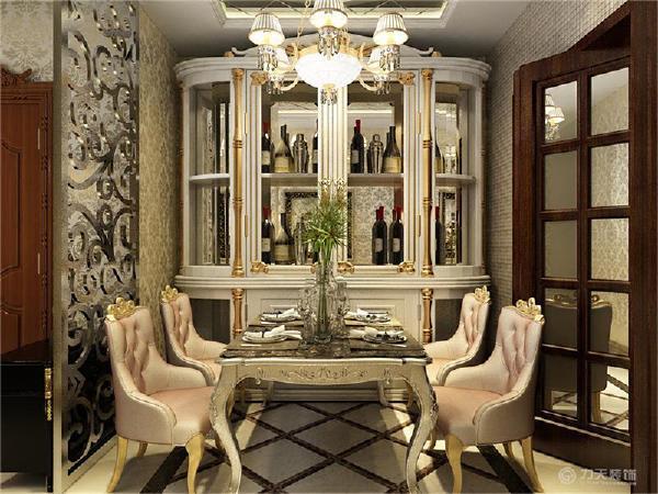 因为整体空间紧凑问题,所以做一些镜面,提高空间感。客厅位置的电视背景墙俩边也是镜面材质,中间是壁纸,圈边用石材。
