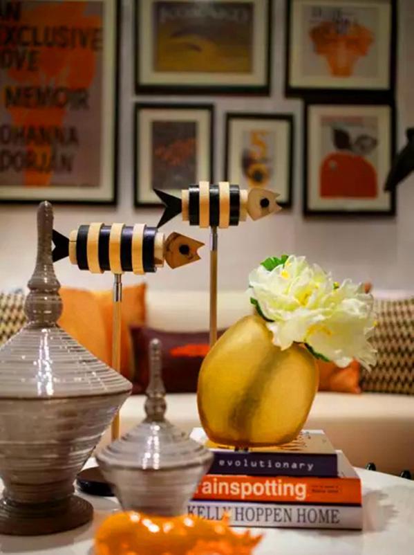 ▲凝聚金属光泽的现代装饰和时尚前卫的家具,令整个空间在变化中拥有统一的特质,时尚的气息无处不在。