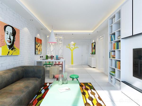 沙发采用深色的沙发,而餐厅餐桌和餐椅采用颜色鲜艳的木质餐椅,为整个空间增加色彩.色彩作为装饰手段,墙面色彩因能改变居室的外观与格调而受到重视。