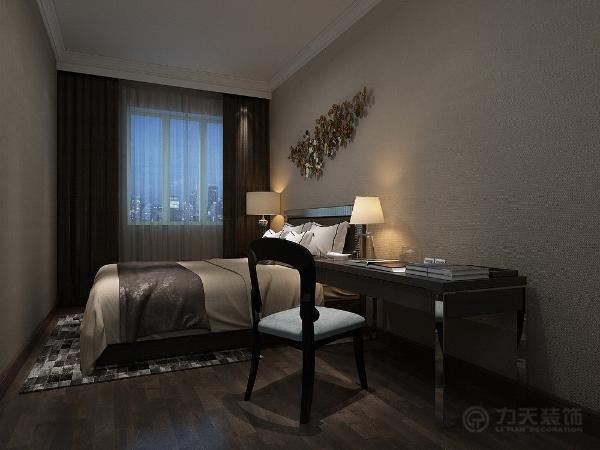 主卧房的设计 ,使用软包和实木线的材质造型, 目的彰显奢华大气,而另一处卧房则显示出简约的特点,辅以床头墙造型以及床品的选择,都很好的表现出了空间的格调,符合一个18岁男生,生活学习的需求