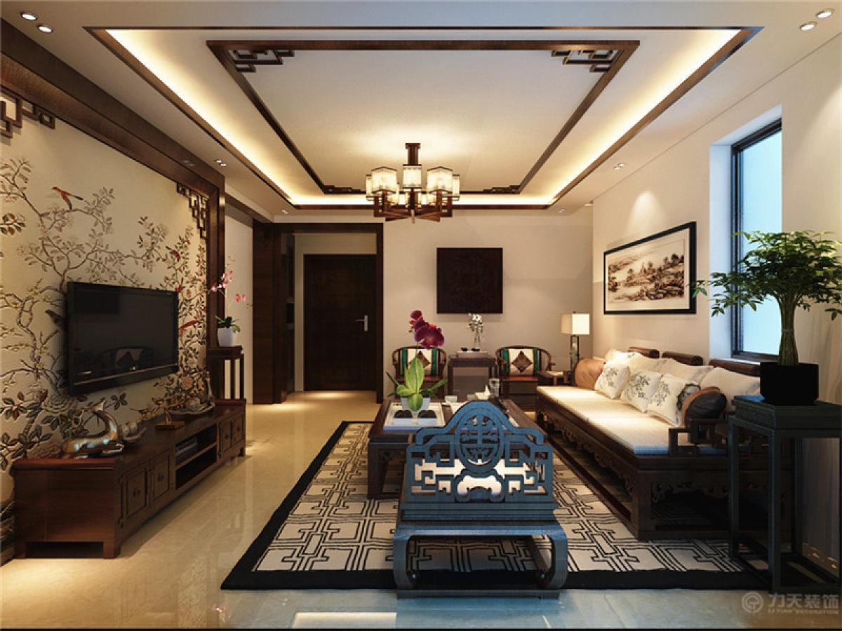 该户型主要的设计风格是中式风格,用各种不同质地的木材不同的造型凸显主人的内涵,而且给人一种书香世家的感觉。客厅电视墙采用木栅格角花,既简单又能体现出中式的特点