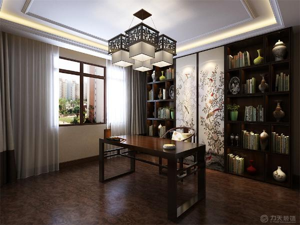 书房地面时木板铺装,放有一个储物柜,并配有简约中式书桌。