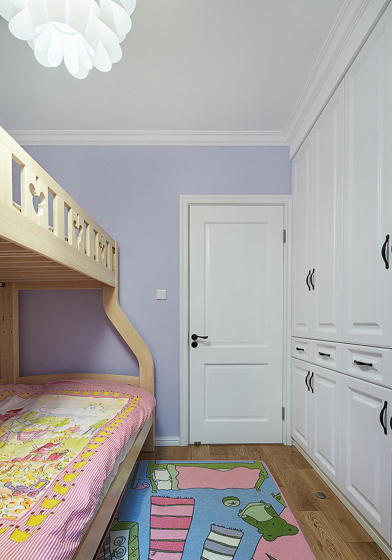 玄关图片来自家装大管家在小空间大乾坤 74平北欧混搭空间的分享