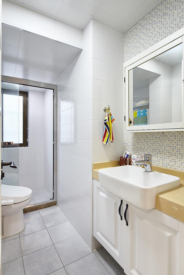 卫生间图片来自家装大管家在小空间大乾坤 74平北欧混搭空间的分享