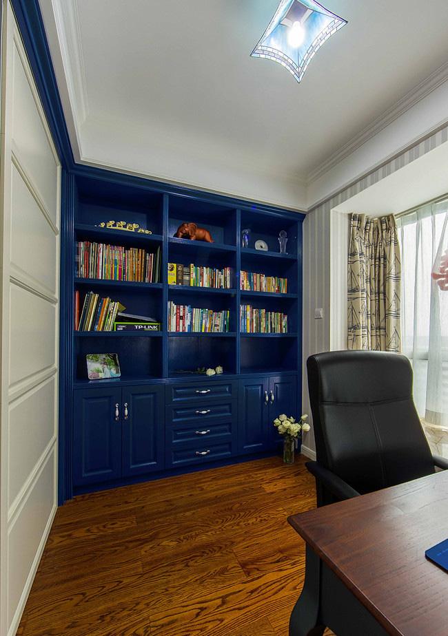 书房图片来自家装大管家在88平地中海风格居 静谧蔚蓝港湾的分享