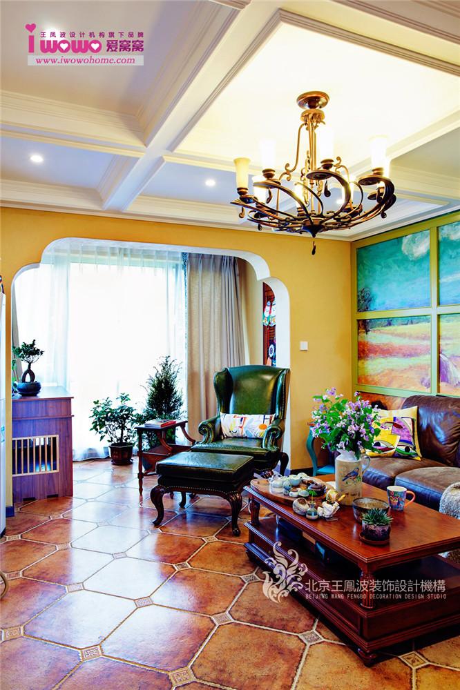 美式两居室 客厅图片来自爱窝窝精致家装机构在莱茵河畔 旧居翻新 凭添妩媚的分享