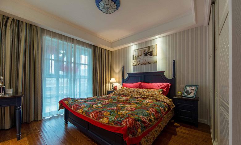 卧室图片来自家装大管家在88平地中海风格居 静谧蔚蓝港湾的分享