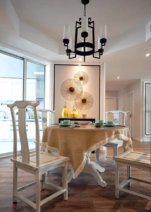 简约 欧式 田园 混搭 中式 二居 三居 别墅 客厅 餐厅图片来自实创装饰晶晶在145平新中式雅居太赞了的分享