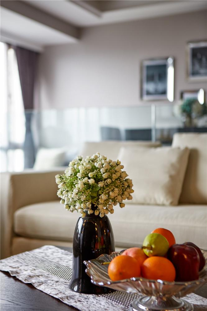 简约 中式 三居 客厅图片来自张勇高级室内设计师在润枫领尚中式设计案例效果展示的分享
