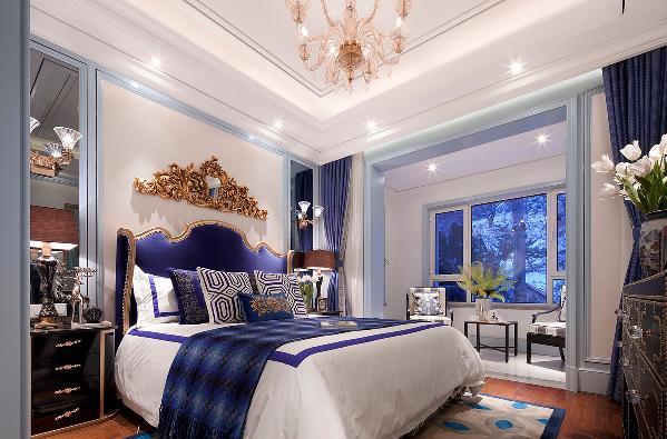 在卧室的灯饰方面,一定要选择具有西方风情的灯具和造型,例如安一盏小壁灯在墙上,让整个卧室弥漫着西方文化的底蕴,卧室泛着影影绰绰的灯光,朦胧、浪漫的气氛油然而生,不论是谁都会非常喜欢的!