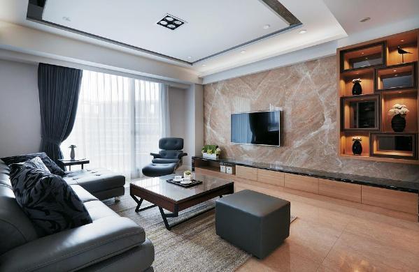 【武汉装修公司|客厅装修效果图】客厅的落地窗将阳光充分吸收进室内,简约的设计注重品质,软包沙发的色泽沉稳低调,节能的灯饰为生活节省开销,美观实用