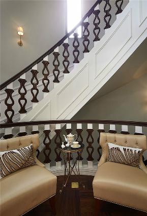 别墅 新古典 楼梯图片来自张勇高级室内设计师在首开·琅樾新古典设计作品的分享