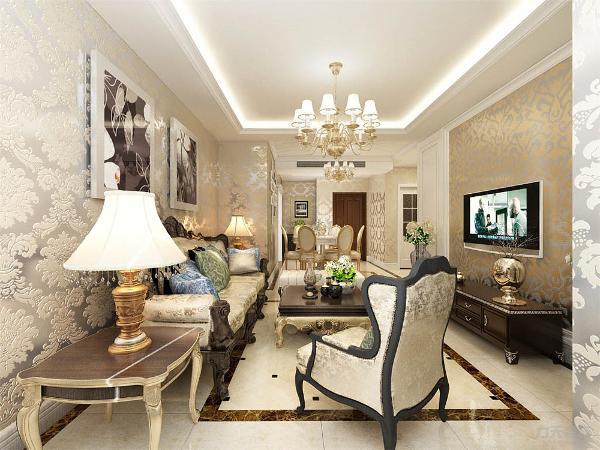 在这个客厅的整个色调上采用的是暖色系,墙面是欧式的亮面壁纸,家具采用奢华的欧式沙发,渲染了浓重的奢华色彩,沙发的背景墙采用的是挂画形式,暖绿色花纹窗帘,与欧式花纹墙面配搭。