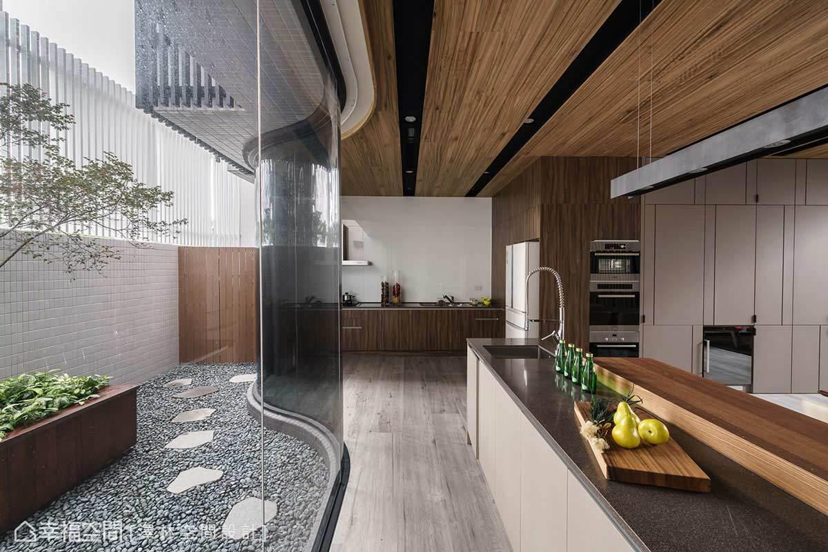 别墅 现代 简约 收纳 餐厅图片来自幸福空间在风赋的分享