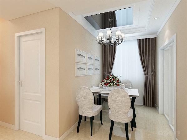 客厅运用了回字形加筒灯加灯带的造型设计。中间走廊的吊顶与客厅吊顶相同,进行了部分统一。配以筒灯的装饰,更加明确的在吊顶上区分了客厅与餐厅的空间。