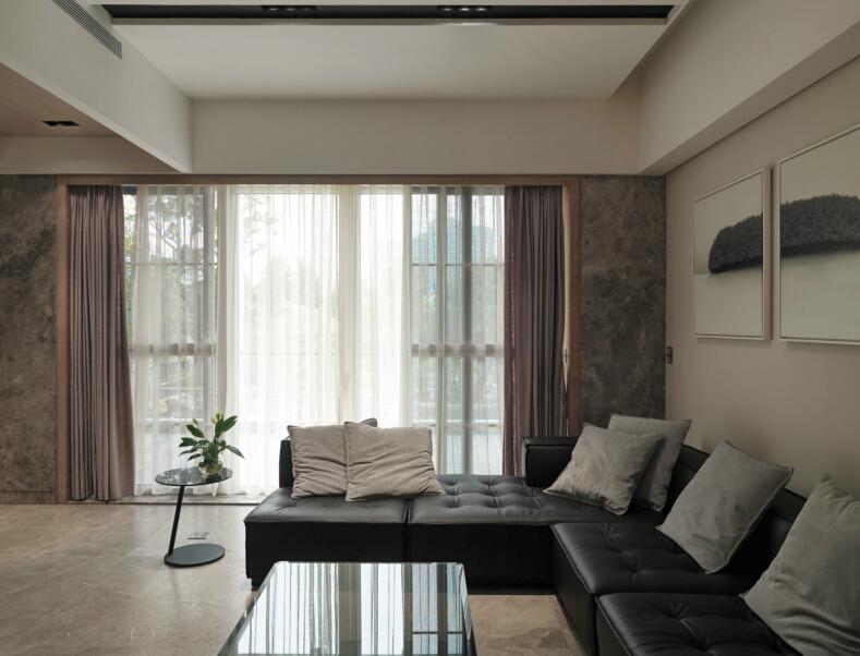 简约 现代 时尚 温馨 三居 白领 收纳 80后 客厅图片来自北京紫禁尚品国际装饰kangshuai在北京龙城花园的分享