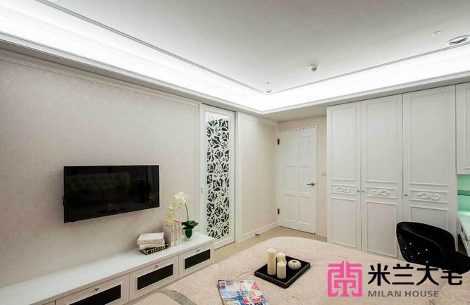 欧式 三居 小资 客厅图片来自米兰大宅设计会所在145平方米欧式风格三居室的分享