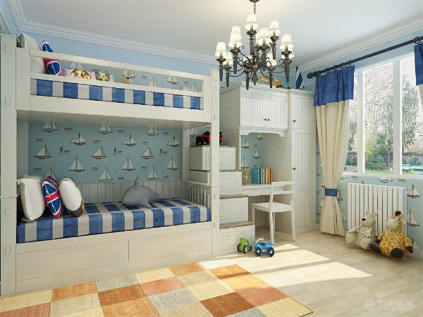 儿童房搭配了带有储物功能的上下铺,楼梯都是带有抽屉的,增加收纳空间。地面用木地板平铺,搭配一款地毯来减少儿童在活动中的磕碰。