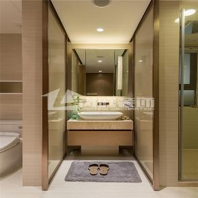 简约 三居 白领 舒适 整装 卫生间图片来自岚庭家居在绿地中央广场 125m²  简约的分享