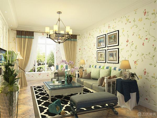 客厅采用一字型单边吊顶辅以石膏线装饰,增加顶面的层次感,电视背景墙用对称的方式结合大理石石材起到一个装饰的作用。
