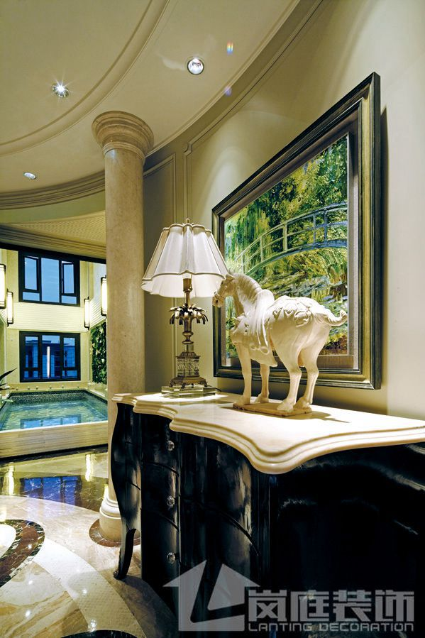 欧式 别墅 玄关图片来自岚庭家居在奥特莱斯傲墅的分享