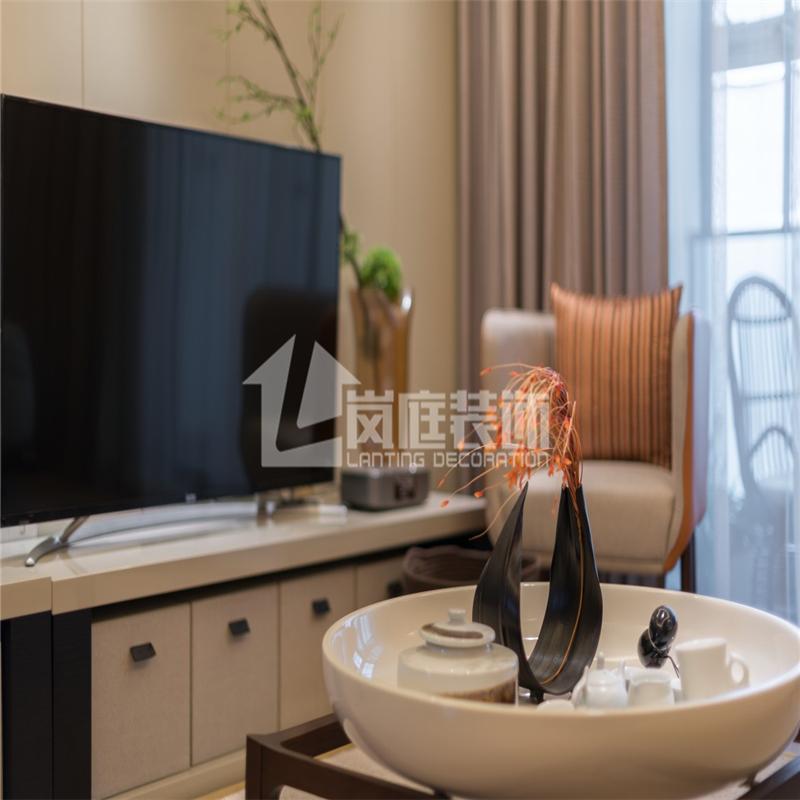 简约 三居 白领 舒适 整装 客厅图片来自岚庭家居在绿地中央广场 125m²  简约的分享