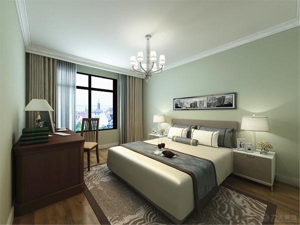 次卧室是采用榻榻米进行装饰的,这样不但可以方便人的居住还扩大了储物空间。