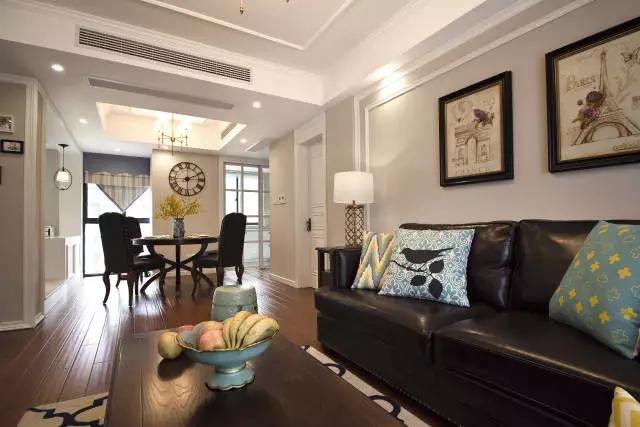 客厅图片来自成都百纳家居装饰公司在成都百纳装饰 110㎡美式风格三居的分享
