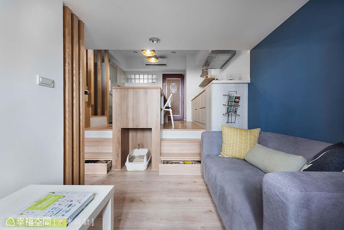一房 简约 北欧 休闲 收纳 客厅图片来自幸福空间在坐拥河岸绿意25平挑高慢活空间的分享