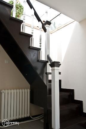 田园 二居 白领 收纳 旧房改造 80后 小资 厅宇设计 楼梯图片来自厅宇设计在简约田园——厅宇设计出品的分享