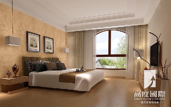 卧室的设计:卧室采用米黄色墙纸,温暖舒适,整体的暖色调搭配