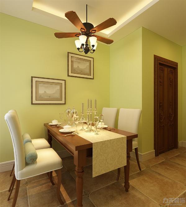 客餐厅都采用800*800的瓷砖整铺,空间简明,利落。