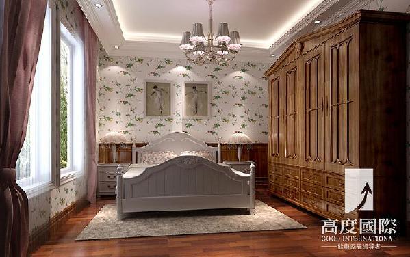 无论是家具还是配饰均已其优雅,唯美的姿态,平和而富有的内涵气韵,华美细腻的设计风格,充分传递富裕繁华的欢乐气息,令卧室更显温馨柔媚,描绘出居室主人尊贵身份。