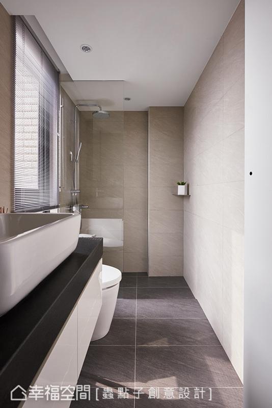 虫点子创意设计保留充足采光的优势,利用玻璃为隔间,创造干湿分离机能。