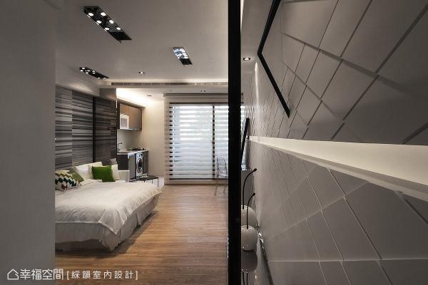 以现代精品宅为设计概念的小坪数房型,非常适合年轻、单身或是新婚族群入住。
